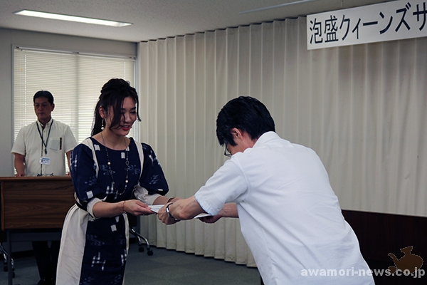 2018_04-05_13-people-awamori-queens-supporters_appointed-by-the-okinawa-national-tax-office06