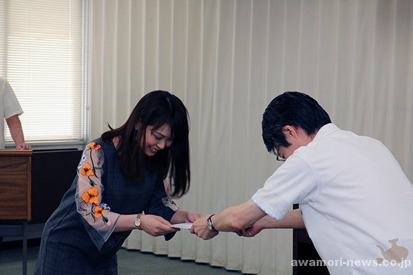 2018_04-05_13-people-awamori-queens-supporters_appointed-by-the-okinawa-national-tax-office07